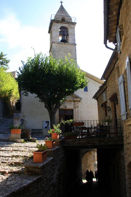 Bild: Pfarrkirche in Montbrun-les-Bains