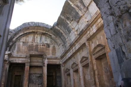 Bild: Hauptschiff des Dianatempel in Nimes