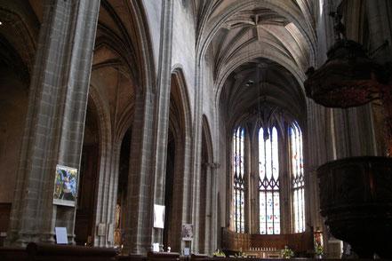 Bild: Im Innern der Kirche Notre Dame in Bourg-en-Bresse