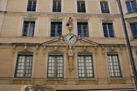 Bild: Hausfassade in Nimes