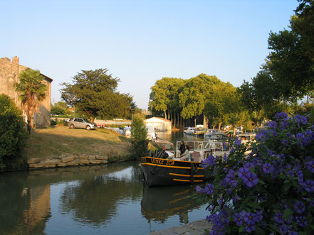 Bild: Mit dem Hausboot auf dem Canal du Midi