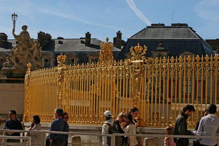 Bild: Geländer am Schloss Versailles
