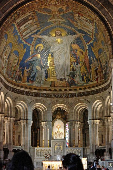 Der Chor mit dem Apsos-Mosaik über dem Hauptaltar