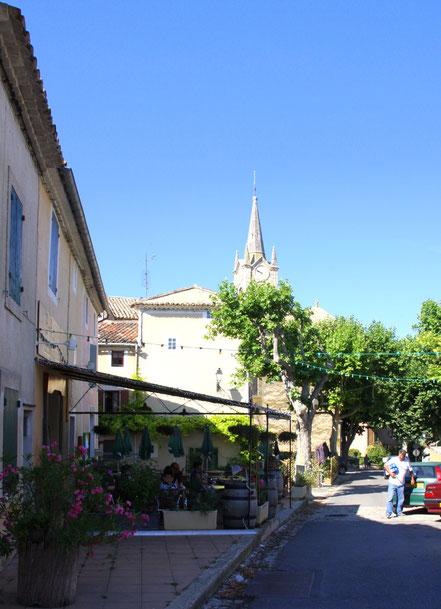 Bild: in den Straßen von Villares, Vaucluse