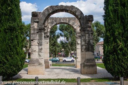 Bild: römischer Bogen in Cavaillon