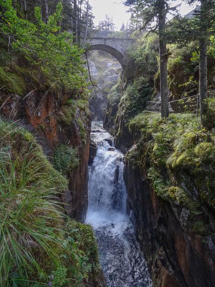 Bild: Wasserfälle am Pont d´Espagne