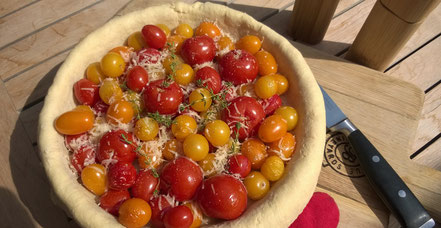 Bild: Rezept Tomatentarte mit Parmesanboden