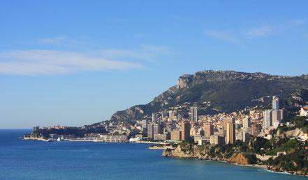 Bild: Blick von der Corniche Inférieure auf Monaco