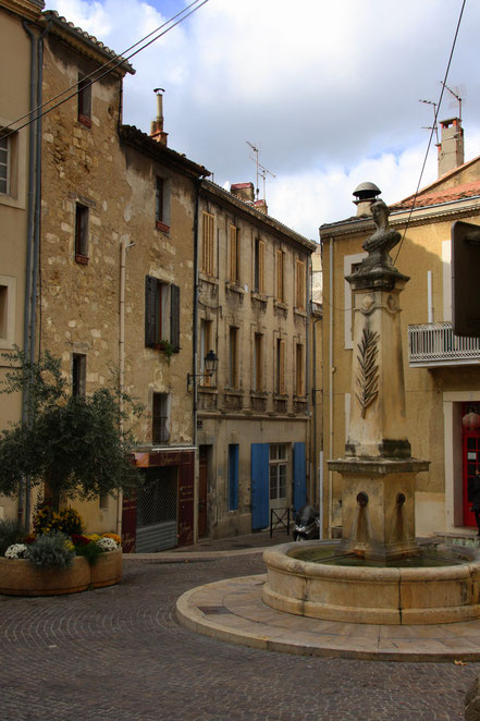 Bild: in den Straßen von Salon-de-Provence