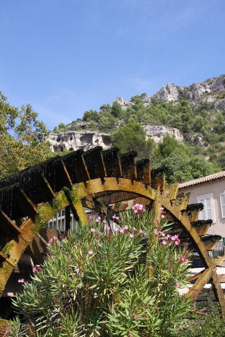 Bild: Wasserrad Fontaine de Vaucluse