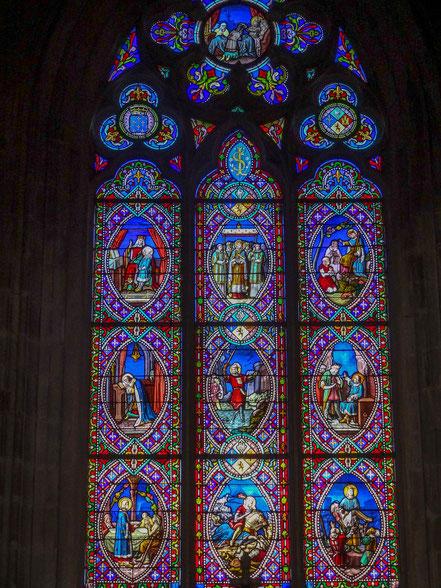 Bild: Fenster der Kathedrale Saint Pierre in Vannes, Bretagne