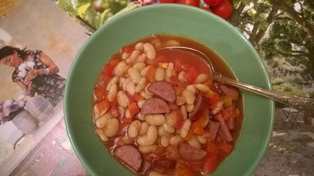 Bild: Weiße Bohnensuppe mit Cabanossi