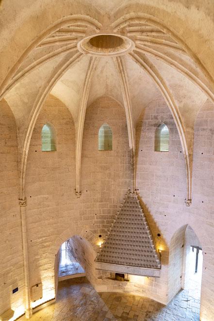 Bild: Aigues Mortes Im Innern des mehrgeschossigen Tour de Constance