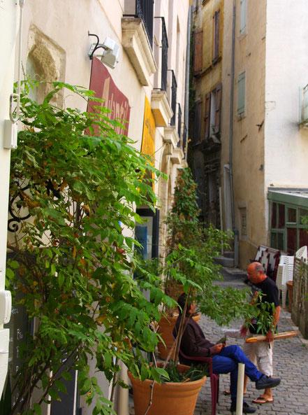 Bild: in den Straßen von Forcalquier