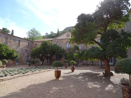 Bild: Abbaye Fontfroide bei Narbonne