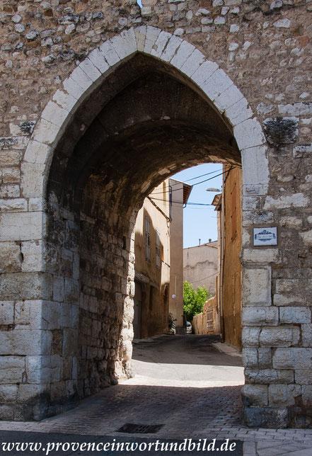 Bild: Riez, Alpes de Haut Provence, Porte Saint Sols