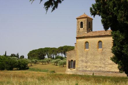 Bild: Romanische Kirche in Lourmarin