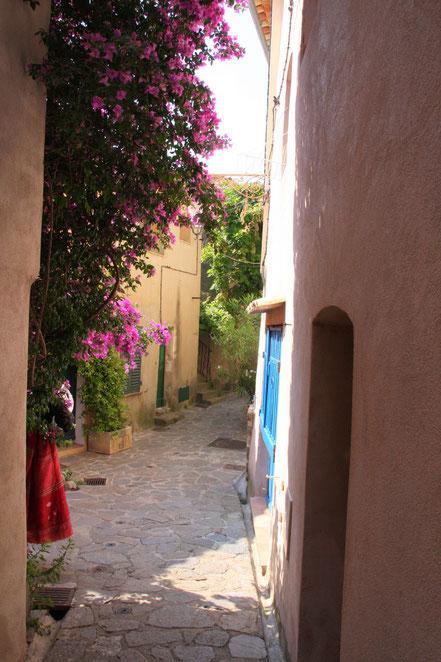 Bild: in den Straßen von Ramatuelle
