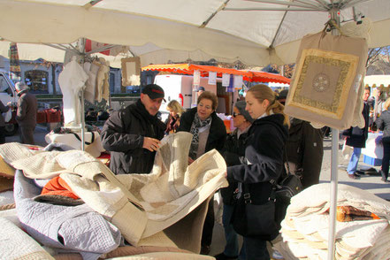 Bild: Sonntagsmarkt in L´Isle-sur-la-Sorgue