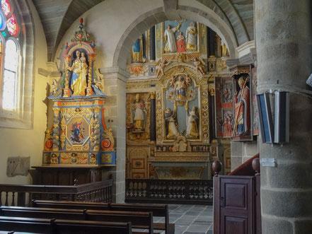"""Bild: Der Altar """"Rosenkranz"""". Notre-Dame-Kirche in Saint-Thégonnec"""