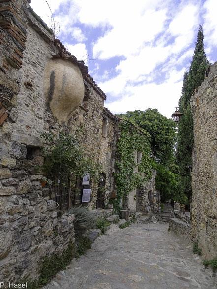Bild: Haus mit altem traditionellen Backofen im oberen Teil in Castelnou