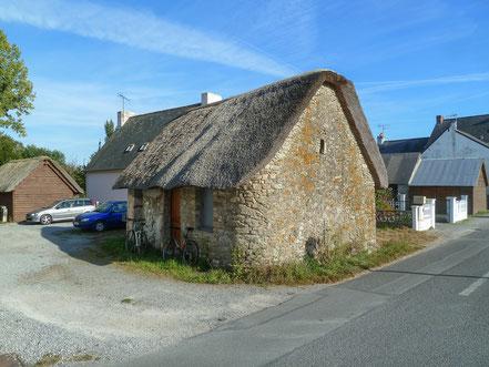 Bild: reetgedecktes Haus auf der Ile de Fedrun
