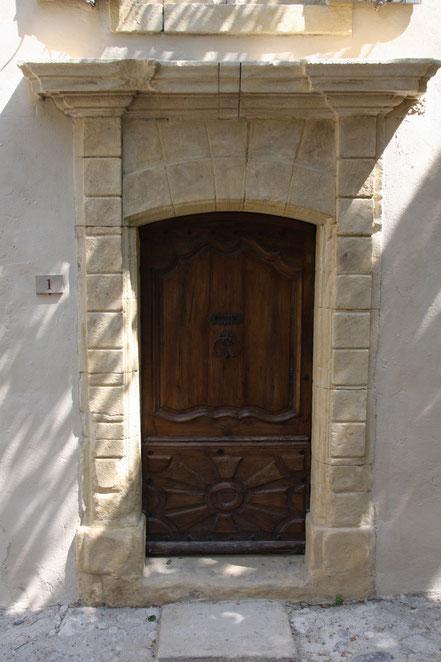 Bild: Tür in Vaison-la-Romaine