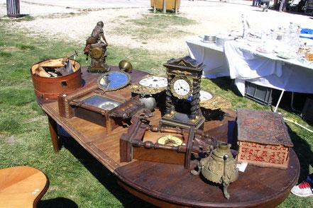 Bild: Antiquitätenmarkt L´Isle-sur-la-Sorgue