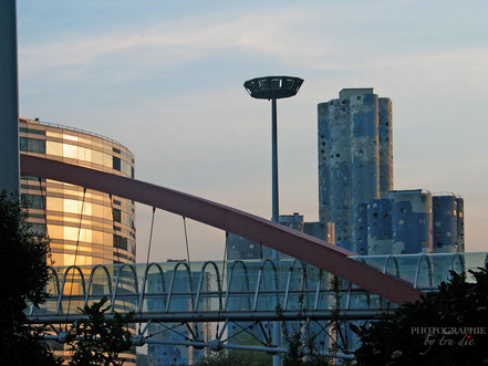 Bild: Japan Brücke im La Défense, Paris