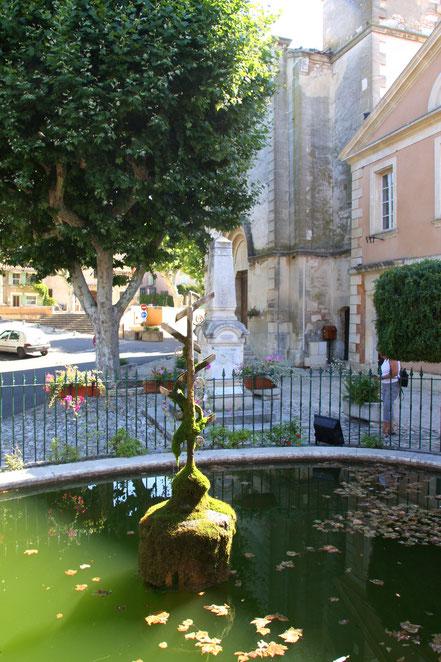 Bild: Brunnen in Villares, Vaucluse