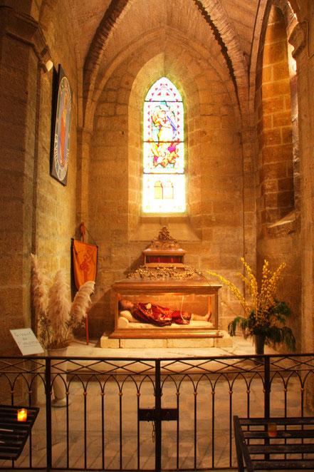 Bild: Kirche Roquemaure mit Altar St. Valentin