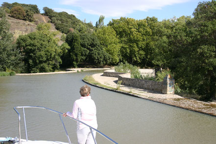 Bild: Mit dem Hausboot auf dem Canal du Midi, Pont Canal la Repudre