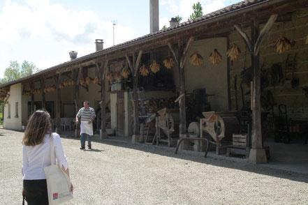 Bild: La Ferme-Auberge du Poirier eine typische Geflügelzucht der Bresse