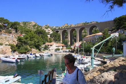 Bild: Petit Méjean mit Eisenbahnbrücke, Côte Bleu