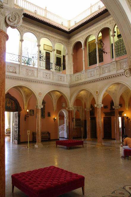 Bild: der Innenhof im Musée Ephrussi de Rothschild