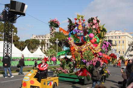 Bild: Blumencorso beim Karneval in Nice (Nizza)