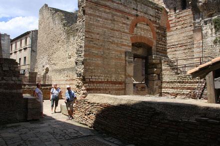 Bild: Die Thermen des Constantin in Arles, Provence