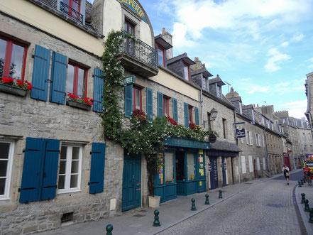 Bild: Straße in Roscoff, Bretagne