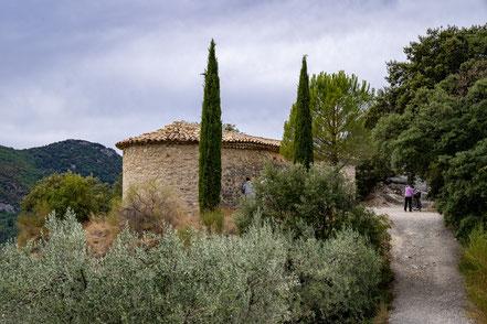 Bild: Buis-les-Baronnies mit Chapelle Saint-Trophime im Département Drôme