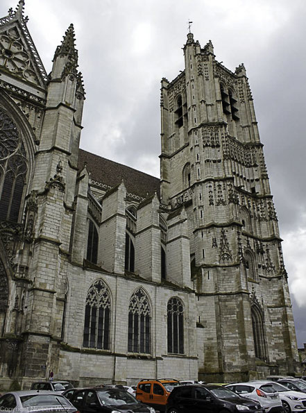 Bild: Kathedrale in Auxerre