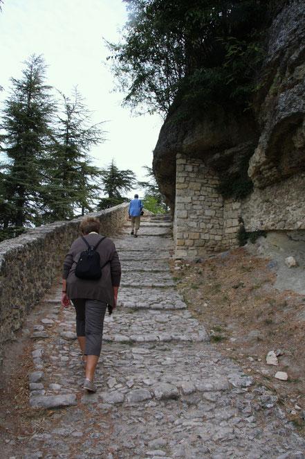 Bild: Kreuzweg zur Zitadelle in Forcalquier