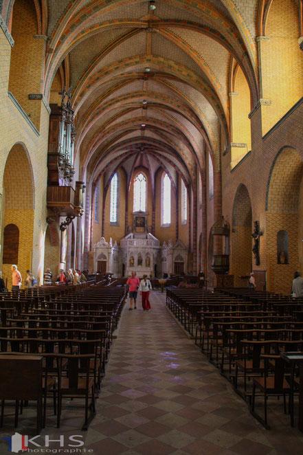 Bild: im Innern der Klosterkirche Saint-Pierre in Moissac