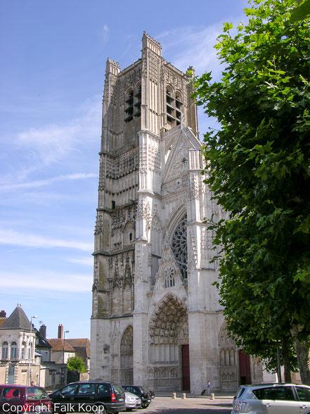Bild: Cathédrale Saint Pierre et Saint Paul
