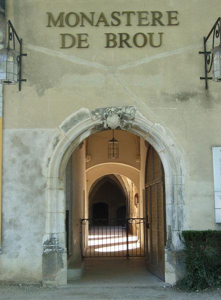 Bild: Eingang zur Monastère de Brou in Bourg-en-Bresse
