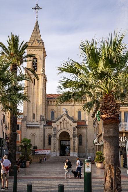 Bild: die Kirche Saint-Nazaire in Sanary sur Mer