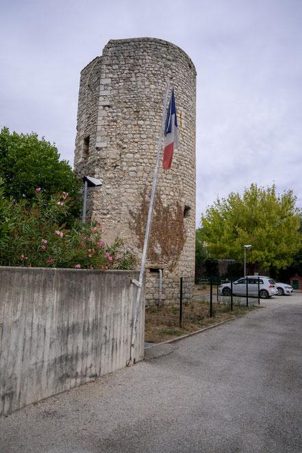 Bild: Buis-les-Baronnies mit Tour de Pin im Département Drôme