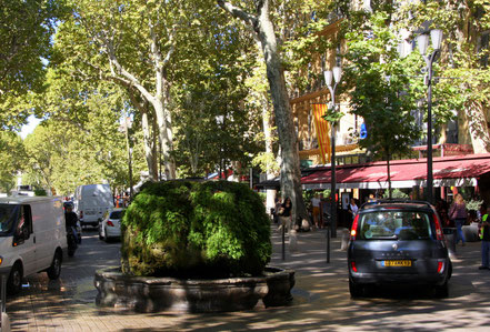 Bild: Fontaine moussue am  Cours Mirabeau in Aix-en-Provence