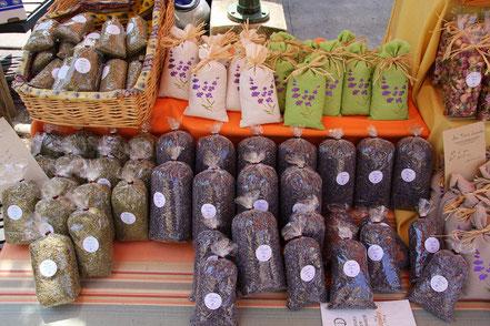 Bild: Herbes de Provence und Lavendelblüten, Provence