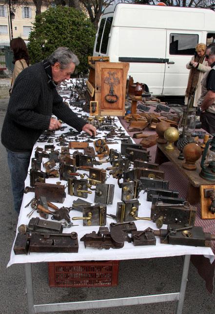 Bild: L´Isle-sur-la-Sorgue am Sonntagsmarkt