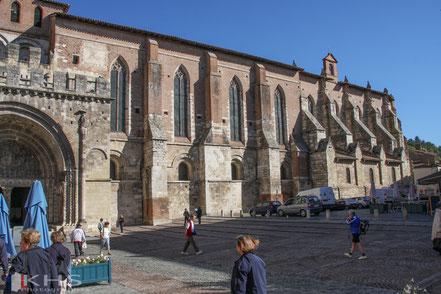 Bild: Blick auf die Klosterkirche Saint-Pierre in Moissac